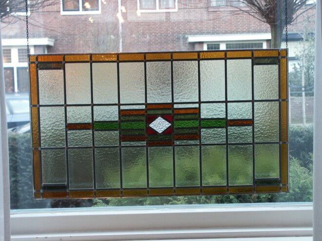 glas in lood venster als raamhanger leenders glas in lood