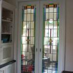 glas in lood in een kamer en suite