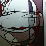 Moderne stijl raamhanger glas in lood met o.a. paars en rood 660×910 mm
